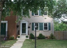 End unit TH in Manassas,VA